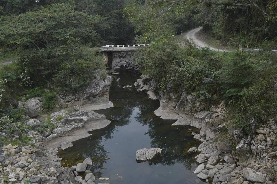 river disappears overnight mexico, Falla geológica afectaría la corriente del río Atoyac, giant crack dries up river mexico, giant crack dries up river in mexico, mexico river disappears overnight, river disappears overnight in veracruz mexico, river atoyac disappears overnight mexico