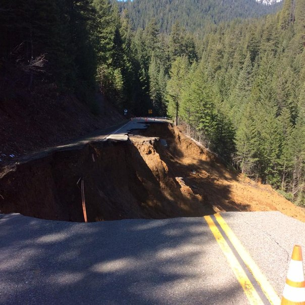road collapse california, road collapse california march 2016, Remote Highway in Northern California Collapses, State Route 3 in Trinity County california collapses, road collapse california march 2016