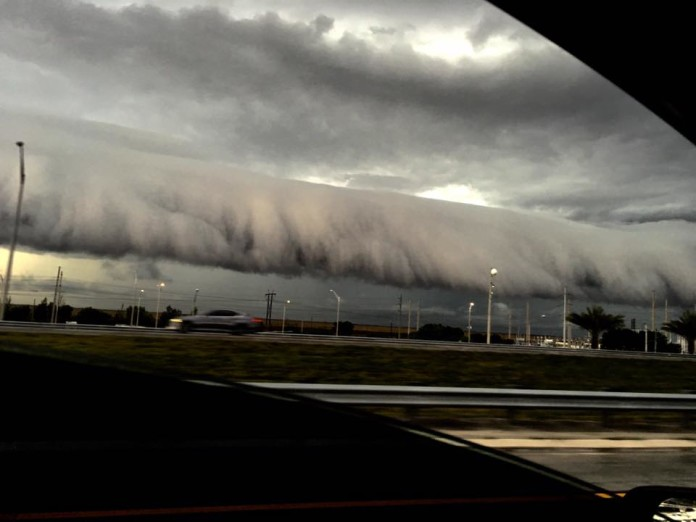 shelf cloud florida, shelf cloud florida march 2016, shelf cloud florida march 29 2016, shelf cloud florida march 29 2016 pictures, shelf cloud florida march 29 2016 videos