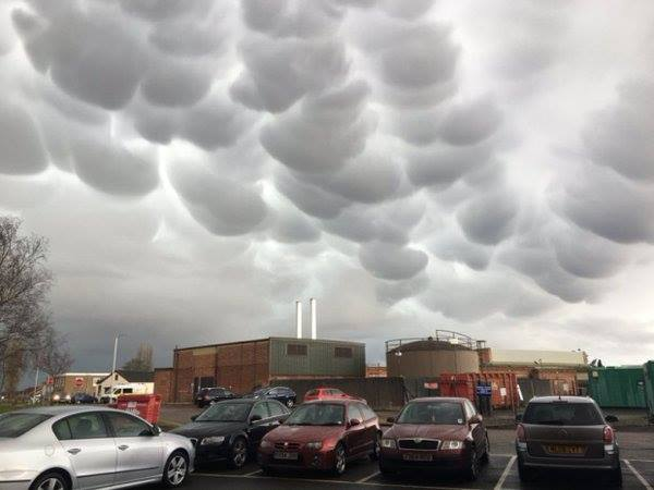 Omnious mammatus clouds form in the sky of Peterborough UK, uk mammatus march 2016, Peterborough mammatus clouds, mammatus clouds Peterborough, Peterborough uk mammatus, mammatus Peterborough uk march 2016