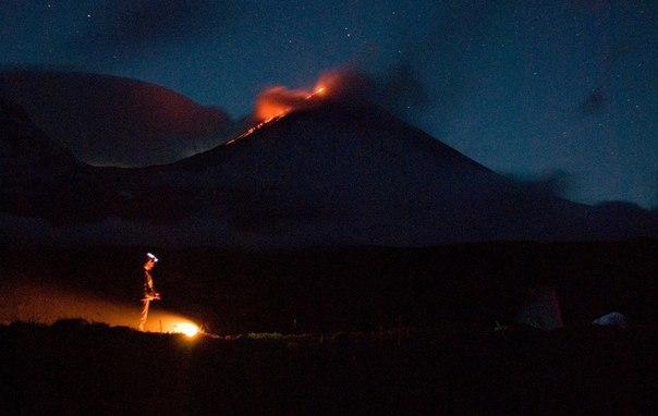 Klyuchevskaya Sopka eruption april 2016, Klyuchevskaya Sopka eruption april 2016 pictures, volcanic unrest april 2016, volcanoes along rin of fire, ring of fire volcanic activity, enhanced volcanic activity worldwide