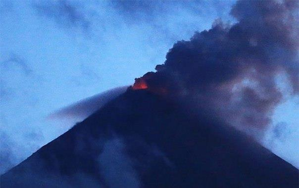 Klyuchevskaya Sopka eruption april 26 2016, Klyuchevskaya Sopka eruption april 26 2016 pictures, volcanic unrest april 2016, volcano eruption april 2016 volcanic unrest worldwide april 2016, link volcano eruption climate change, climate change vs volcanic eruptions