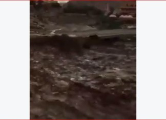 flash floods saudi arabia, flash floods saudi arabia april 2016, flash floods saudi arabia video april 2016, terrifying flash floods saudi arabia april 2016, video flash floods saudi arabia