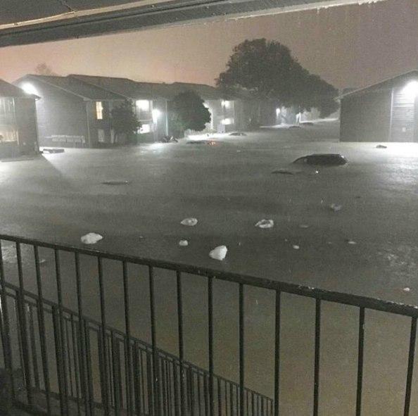 flooding texas houston, flooding texas houston pictures, flooding texas houston video, flooding texas houston april 2016 picture and video, houston flash floods april 2016, houston flooding april 2016