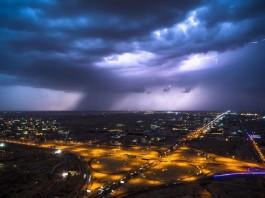 freak hailstorm saudi arabia shelf cloud, freak hailstorm saudi arabia april 2016, freak hailstorm saudi arabia pictures, saudi arabia hail april 6 2016, saudi arabia hail april 6 2016 pictures, photos of saudi arabia hail april 6 2016