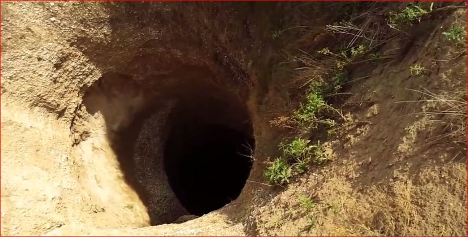 giant sinkhole gurbuki, giant sinkhole gurbuki russia, giant sinkhole gurbuki russia april 2016, giant sinkhole russia gurbuki video, giant sinkhole russia