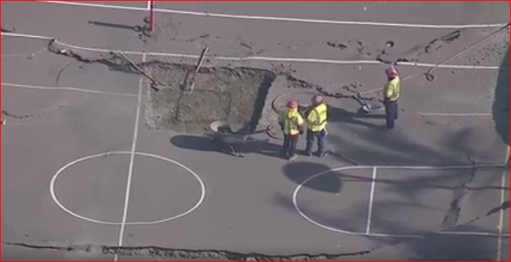 huntington park sinkhole, sinkhole Linda Esperanza Marquez High School in Huntington Park, basketball court collapse huntington park school, BASKETBALL COURTS COLLAPSE AT HUNTINGTON PARK HIGH SCHOOL, Large Sinkhole Opens Up On High School Playground In Huntington Park