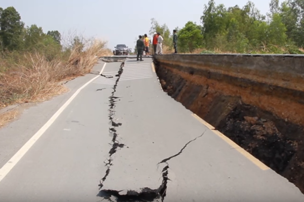 road collapse sinkhole thailand, road collapse sinkhole thailand video, road collapse sinkhole thailand pictures,
