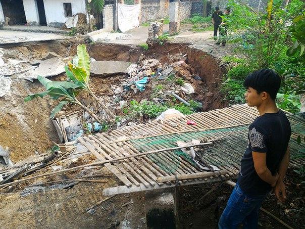 sinkhole vietnam, sinkhole vietnam april 2016, sinkhole vietnam photo, sinkhole vietnam video, latest sinkhole april 2016, sinkhole april 2016