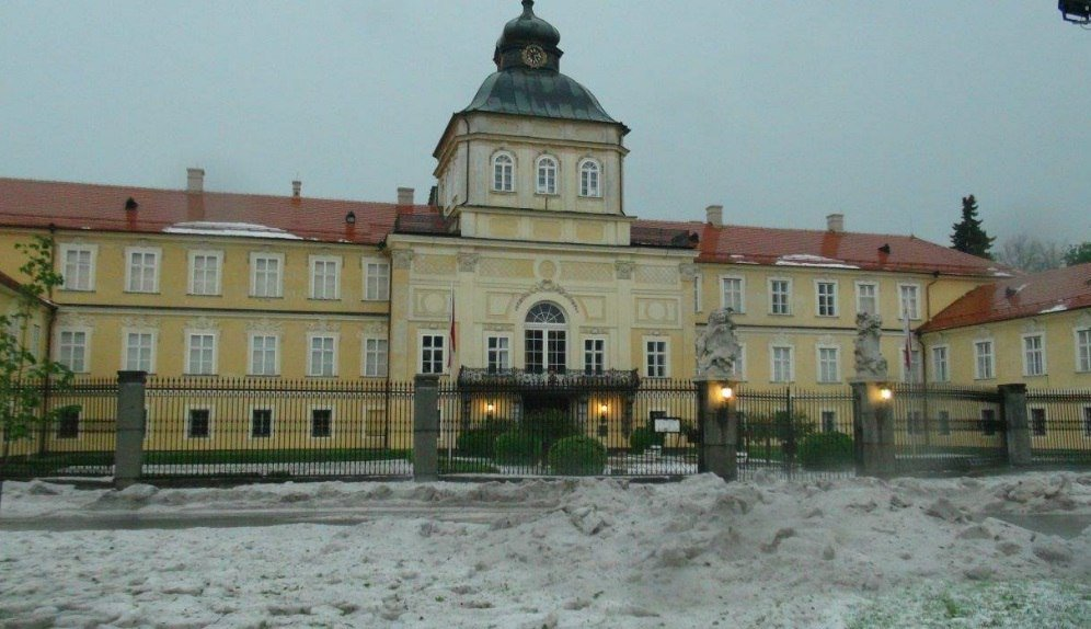 Anomalous hailstorm Czech Republic, hailstorm Czech Republic, hailstorm Czech Republic may 23 2016, hailstorm Czech Republic may 2016, hailstorm Czech Republic pictures, hailstorm Czech Republic videos