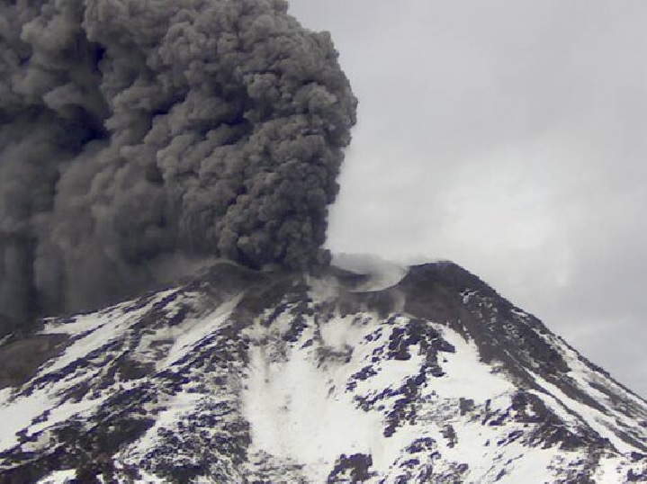 Nevados de Chillan eruption may 2016 5