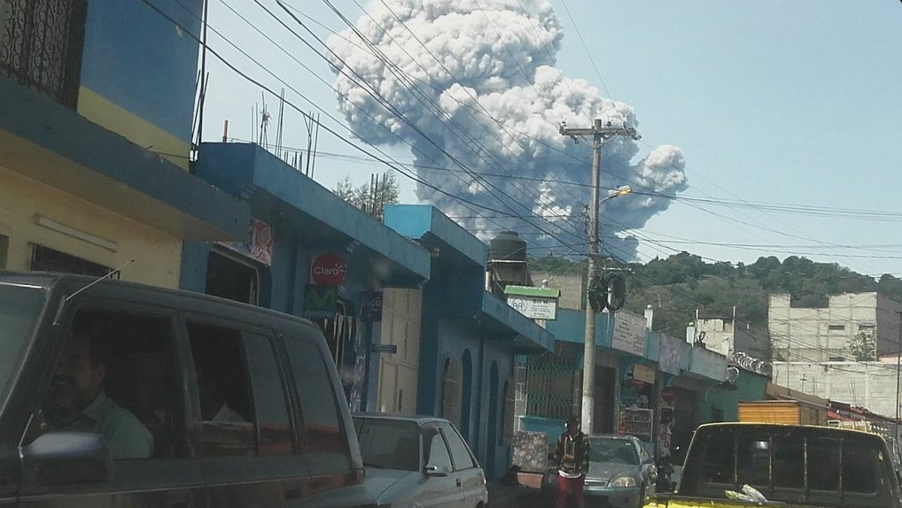 Santiaguito Volcano eruption may 19 2016, Santiaguito Volcano eruption may 19 2016 photo, Santiaguito Volcano eruption may 19 2016 video, Reportan fuerte explosión del Volcán Santiaguito