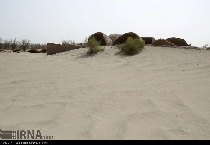 biblical sandstorm buries village iran, giant sandstorm bury villages iran, village buried iran sandstorm, sanstorm iran village buried, buried village dust storm iran, iran sandstorms burry villages