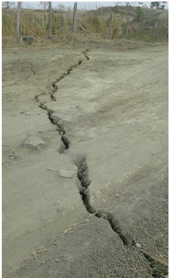 cracks mud volcano colombia, volcanic unrest colombia, colombia mud volcano eruption, cracks form around mud volcano colombia, comlombia mud volcano cracks, movements and cracks mud volcano colombia eruption