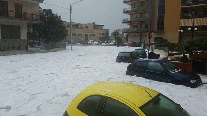 extreme hailstorm italy, extreme hailstorm apulia italy, extreme hailstorm apulia italy may 20 2016, extreme hailstorm apulia italy may 20 2016 pictures, extreme hailstorm apulia italy may 20 2016 video
