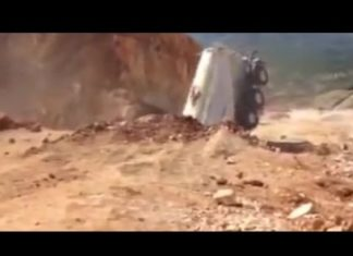 Giant crater swallows huge tanker during landslide in Turkey, Giant crater swallows huge tanker during landslide in Turkey video, video Giant crater swallows huge tanker during landslide in Turkey, terrifying moment Giant crater swallows huge tanker during landslide in Turkey, This is the frightening moment a huge tanker is swallowed by a giant crater that suddenly appeared at a quarry during a landslide in Turkey