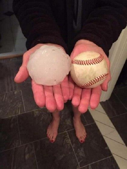 hailstorm lincoln nebraska hail baseball, hail larger than baseballs lincoln nebraska, hailstorm may 2016, hailstorm nebraska may 2016 video, hailstorm nebraska may 2016 photo