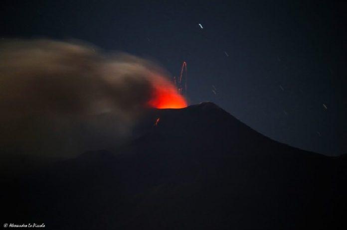 mount etna eruption may 18 2016, etna eruption may 17 2016, etna eruption may 18 2016, etna eruption may 2016 pictures, etna eruption may 2016 video, etna eruption may 2016 photo and video