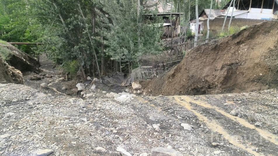 mudflow Kyrgyzstan, deadly mudflow Kyrgyzstan, mud tsunami mudflow Kyrgyzstan, mudflow Kyrgyzstan photo, mudflow Kyrgyzstan picture