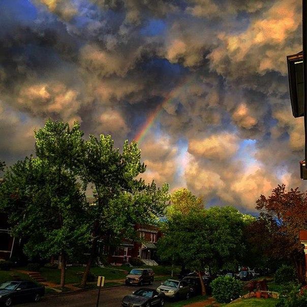 omnious sky st-louis, omnious sky st-louis missouri, strange clouds st-louis missouri, weird clouds st-louis missouri, strange clouds missouri april 30 2016
