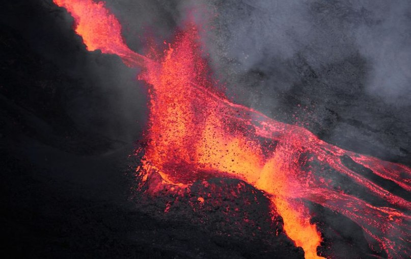 piton de la fournaise eruption reunion, eruption piton de la fournaise, piton de la fournaise erupts may 26 2016, eruption piton de la fournaise may 26 2016eruption piton de la fournaise may 26 2016 photo, eruption piton de la fournaise may 26 2016 video