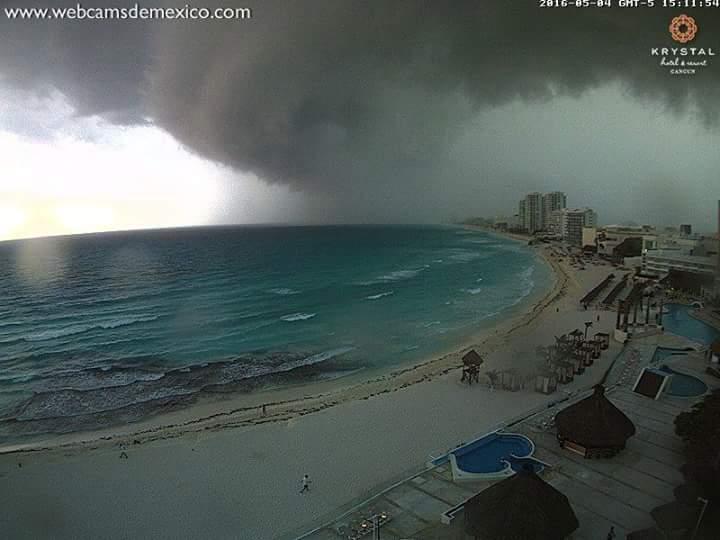 shelf cloud cancun, mysterious cloud cancun, weird clouds cancun, cancun mystery clouds may 5 2016, cancun mexico mysterious clouds may 4 2016 pictures