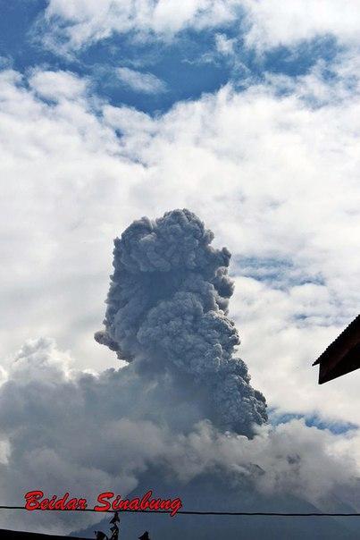 sinabung volcano eruption may 14 2016, sinabung volcano eruption may 14 2016 pictures, sinabung volcano eruption may 14 2016 video