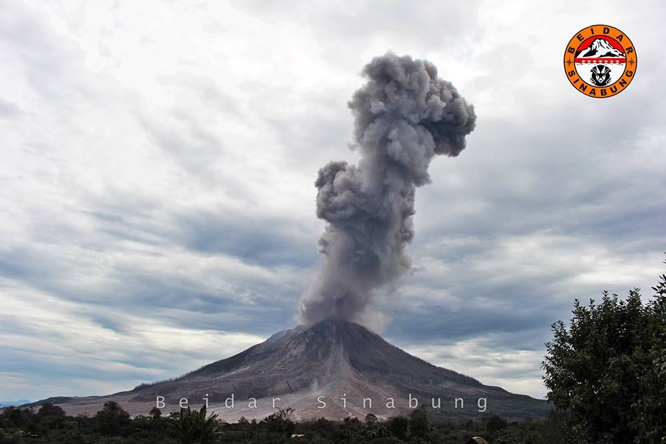 sinabung volcano eruption may 2016, sinabung volcano eruption may 2016 video, sinabung volcano eruption may 2016 photo, volcanic unrest 2016