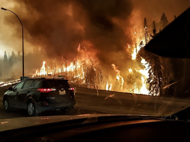 wildfire Fort McMurray, wildfire Fort McMurray alberta may 2016, fire wildfire Fort McMurray alberta may 2016 video pictures, wildfires Fort McMurray, wildfire Fort McMurray may 2016, Fort McMurray wildfire pictures and video, video wildfires, canada wildfire video pictures, alberta wildfire picture video may 2016