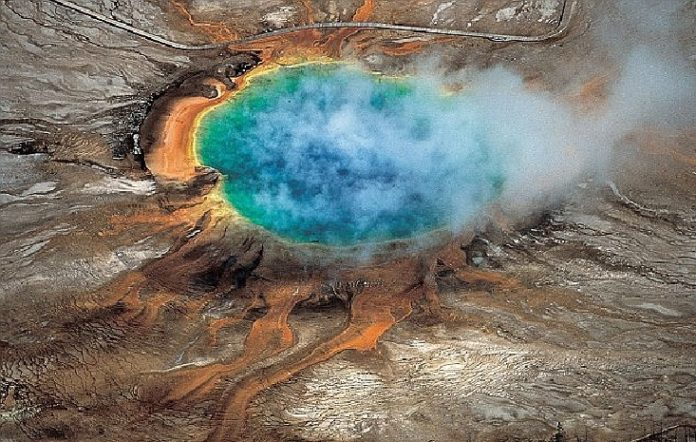 yellowstone eruption, What Would Happen if a Super Volcanic Eruption Happens Again, What would happen if America's yellowstone supervolcano erupted one day, yellowstone supervolcano eruption scenario, scenario yellowstone eruption