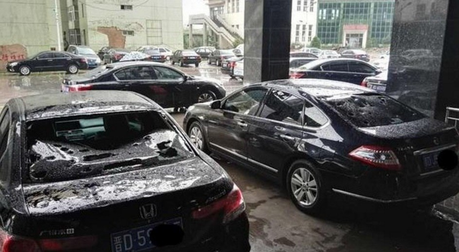 egg-sized hail slams china, hailstorm china, crazy hailstorm china, apocalyptical hail china, anomalous hailstorm china video