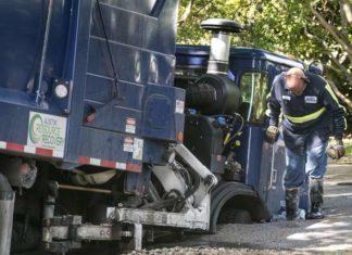 garbage truck swallowed by sinkhole austin, garbage truck swallowed by sinkhole austin june 2016, garbage truck swallowed by sinkhole austin photo, garbage truck swallowed by sinkhole austin video