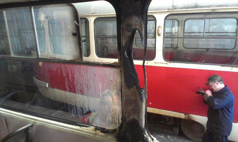lightning strike tram ukraine, lightning strike tram Donetsk ukraine, lightning strike tram Donetsk ukraine june 2016, lightning strike tram Donetsk ukraine photo, lightning strikes trolleycar ukraine, trolley struck by lightning june 2016