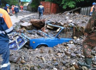 mudflow sochi, mudflow sochi june 2016, mudflow sochi picture 2016, mudflow sochi pictures june 4 2016, 29 rescued after mudflow blocks village sochi