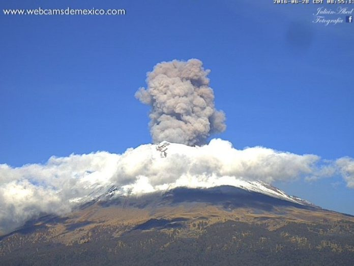 volcano eruption, popocatepetl explosion, volcano eruption june 28 2016, popocatepetl explosion june 28 2016