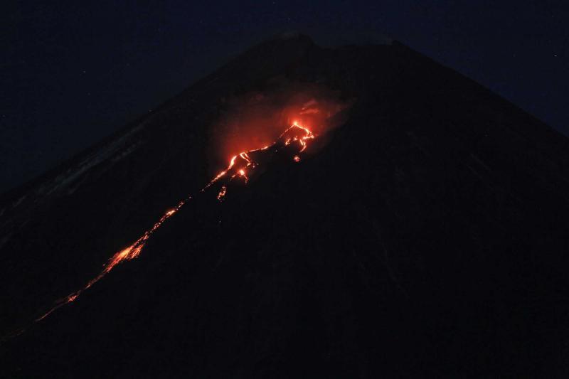 KLYUCHEVSKOY VOLCANO eruption july 2016, KLYUCHEVSKOY VOLCANO eruption july 2016 photo, KLYUCHEVSKOY VOLCANO eruption july 2016 video