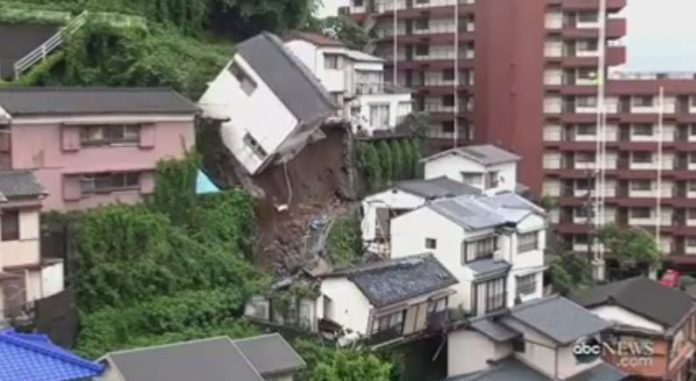house collapse japan nagasaki mudslide video, house collapse japan video, house collapses after landslide japan video, house collpase japan video
