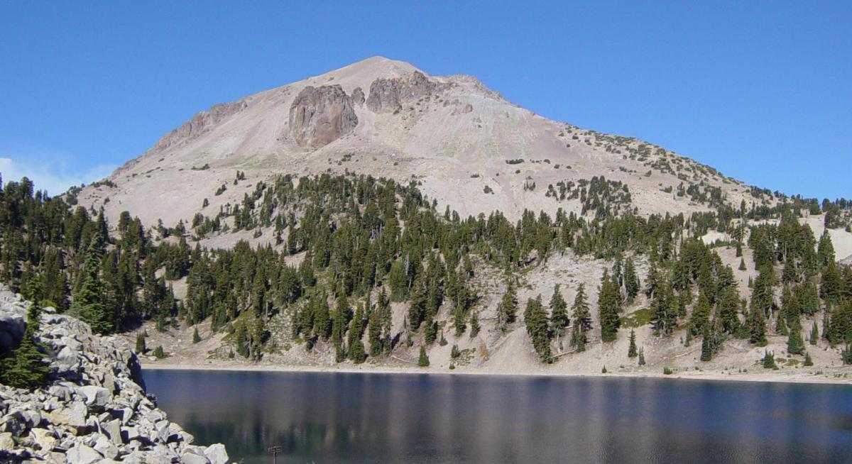 lassen peak volcano sinking, lassen peak is sinking, california lassen peak sinking, California lassen peak volcano sinking