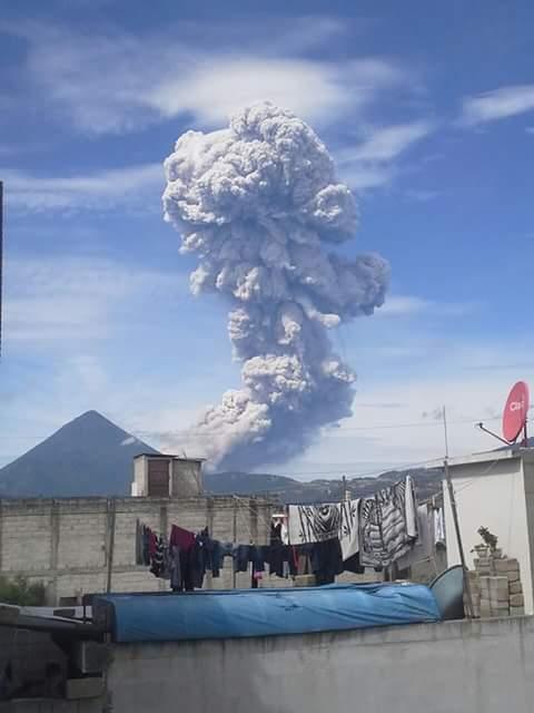 santa maria eruzione del vulcano, Santa Maria del vulcano eruzione luglio 2016, eruzione vulcanica luglio 2016, eruzione vulcano 1 luglio 2016, l'ultima eruzione vulcanica 1 luglio 2016