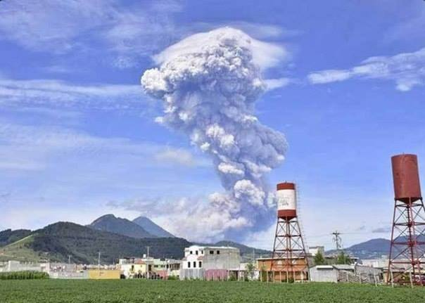 santiaguito eruption july 11 2016, santiaguito eruption july 11 2016 pictures, santiaguito eruption july 11 2016 video, volcanic eruptions july 2016