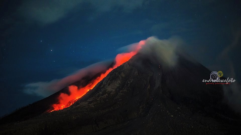 Volcanic unrest around the world Sinabung-volcano-3