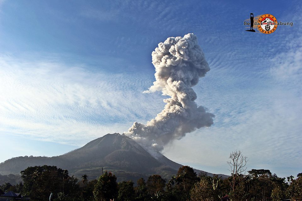 sinabung volcano eruption, sinabung volcano eruption july 2016, volcanic eruption july 2016, volcano eruption july 1 2016, latest volcanic eruption july 1 2016