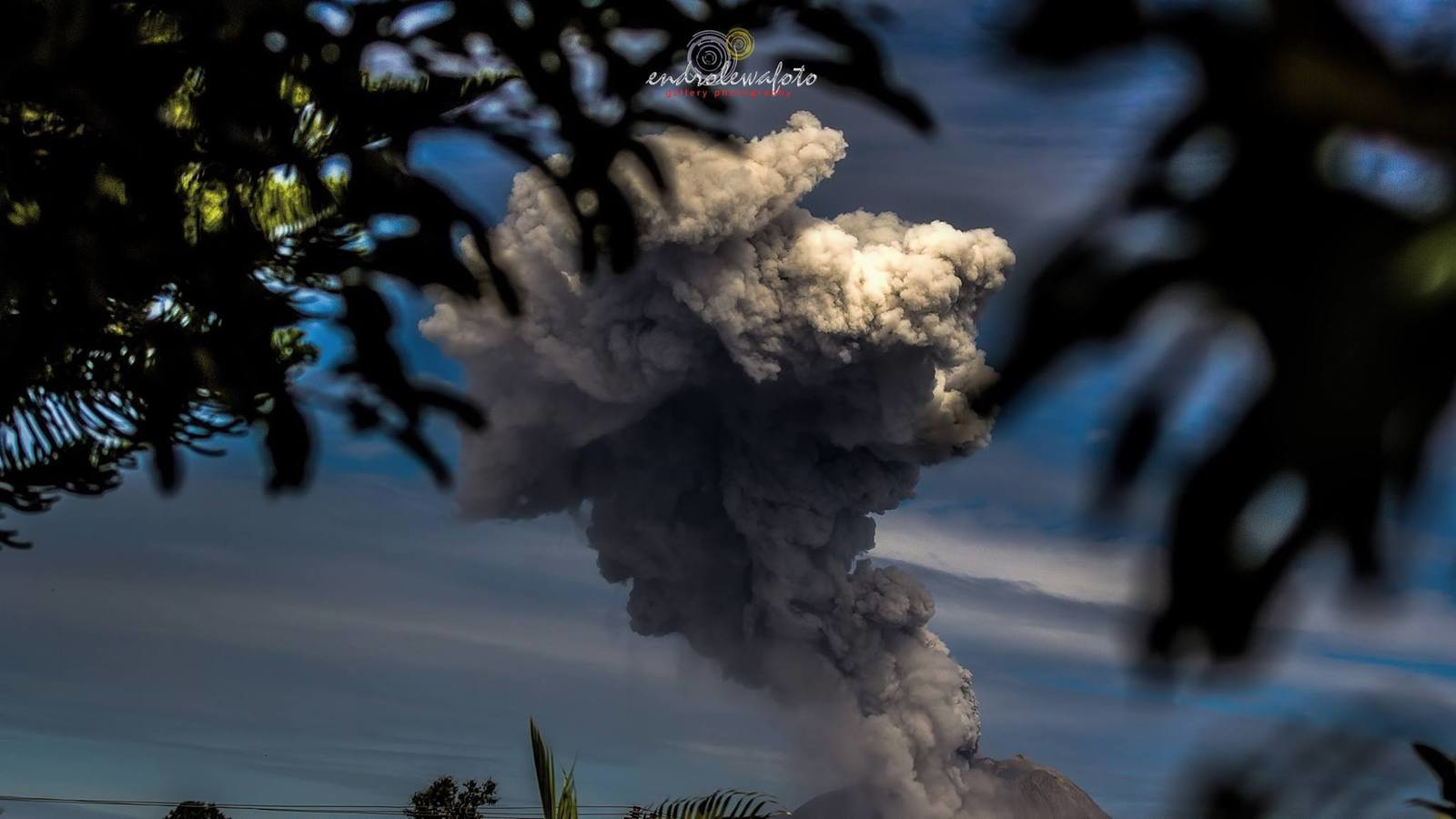 sinabung volcano july 7 2016, sinabung volcano july 7 2016 pictures, sinabung volcano july 7 2016 video