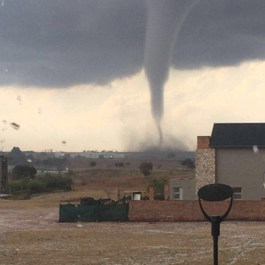 tornado gauteng south africa, tornado tembiza south africa, tornado sa, tornado tembiza video, tornado tembiza pictures, tornado tembiza south africa july 2016 photo video