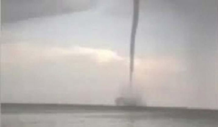 waterspout injures 38 people cuba, waterspout cuba, cuba waterspout video, deadly waterspout cuba, cuba waterspout injures 38 people, 30 people injured by waterspout cuba, cuba waterspout video