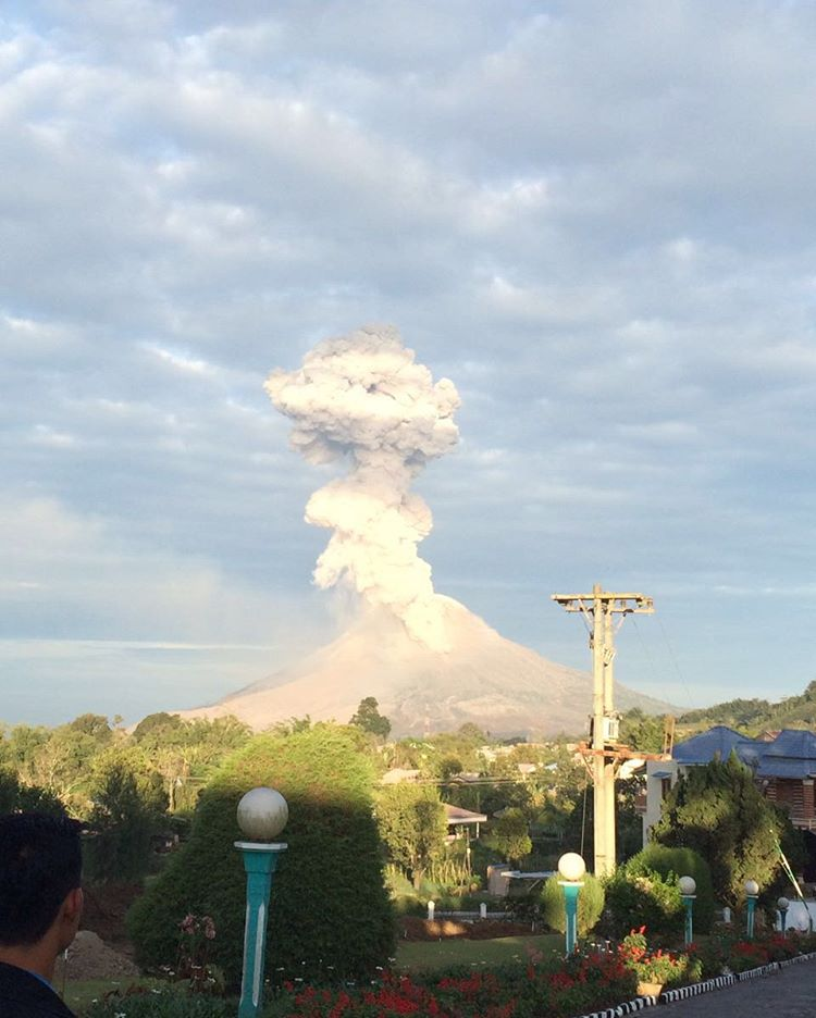 Sinabung volcano eruption august 2016, Sinabung volcano eruption august 2016pictures, Sinabung volcano eruption august 2016 video
