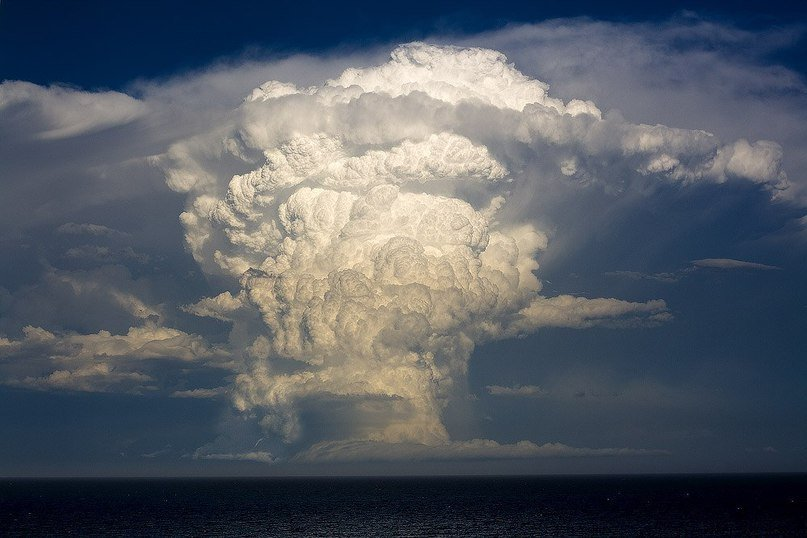 Anomalous cumulonimbus clouds in pictures - Strange Sounds