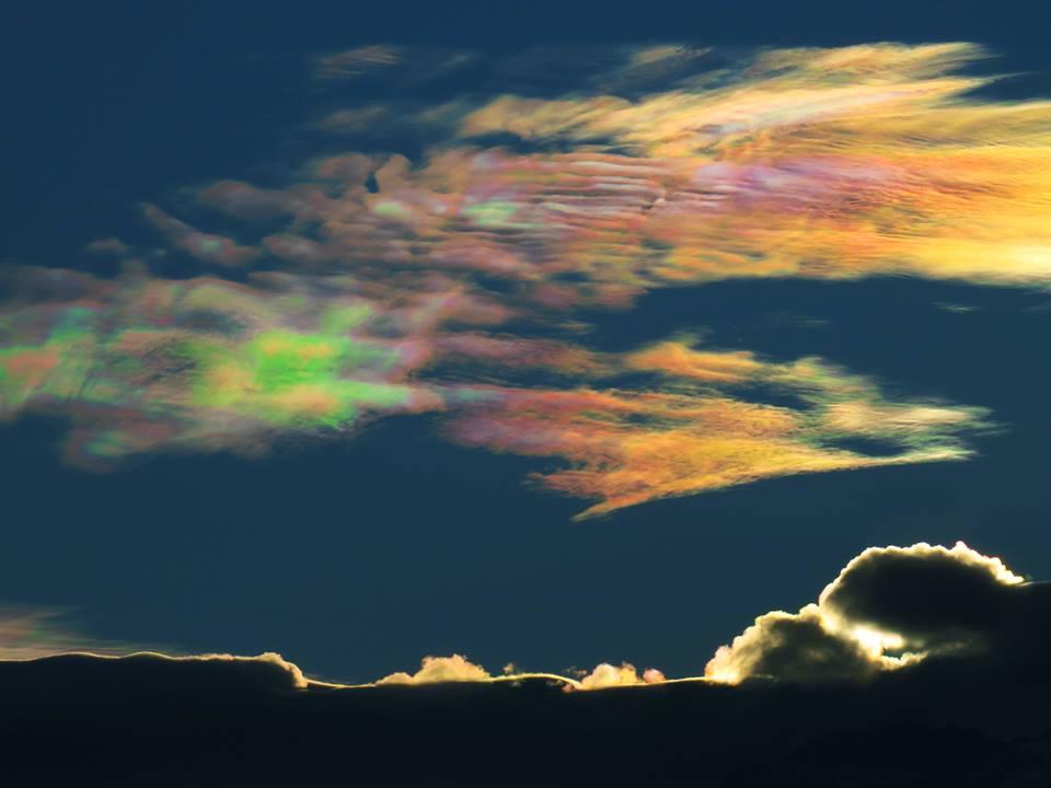 iridescent cloud, iridescent cloud pictures, iridescent cloud chile, iridescent cloud video, crazy iridescent cloud