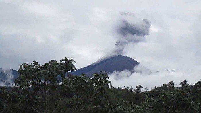 reventador volcano eruption august 2016, reventador volcano eruption august 2016 pictures, reventador volcano eruption august 2016 video