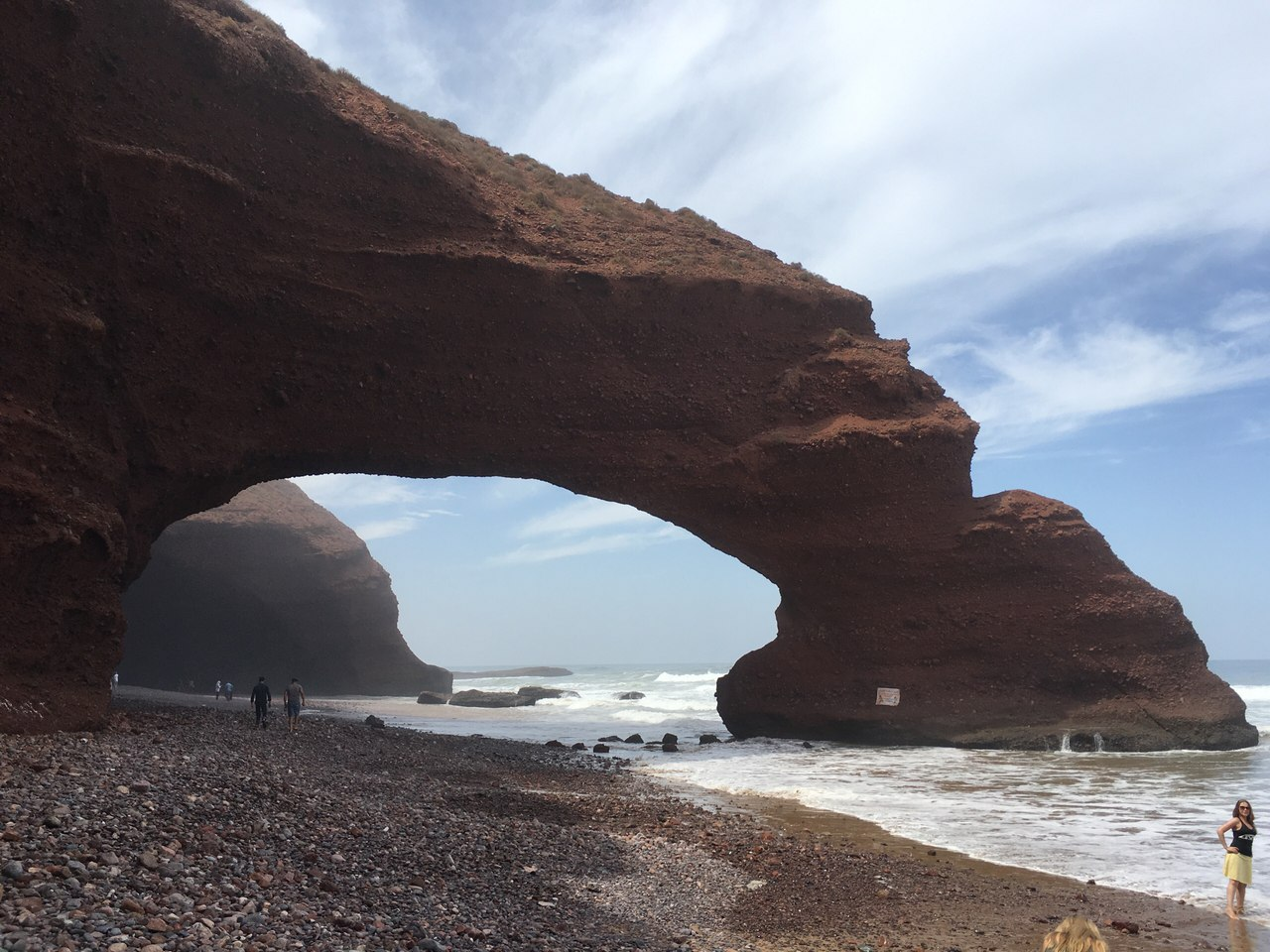 arches legzira collapse, ark legzira collapse, One of the two arches at Legzira collapsed, Maroc: L'une des deux arches rocheuses de Legzira effondree, maroc legzira arch collapse